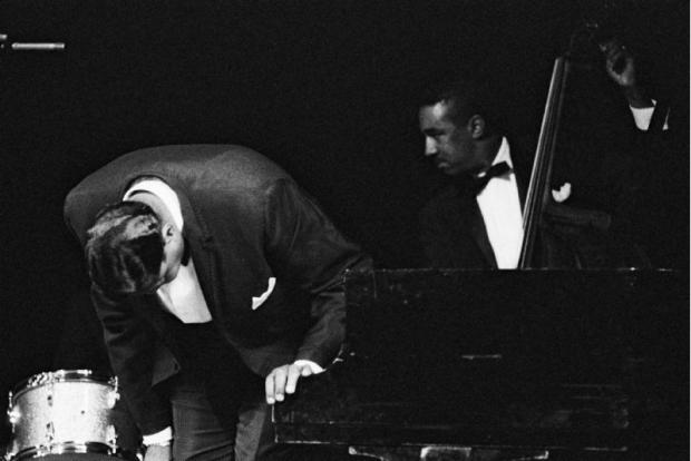 Oscar Peterson et Ray Brown, 1965